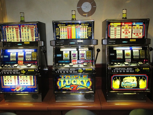 slot-machines-gioco azzardo.jpg